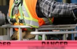 http://foter.com/photo/construction-worker-safety-danger/