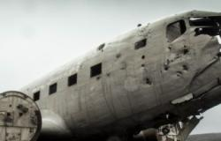 http://foter.com/photo/airplane-wrecked-plane-aircraft-crash-disaster/ CC0 1.0